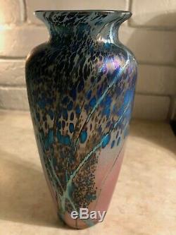 Beautiful Peet Robison signed 8 Iridescent Art Glass Vase