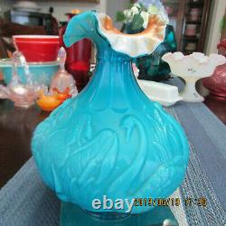 Beautiful Rare Fenton Swan Vase 8 Tall