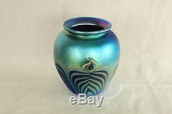 Carlson 1992 Studio Hand Made Art Glass Blue Aurene Color Puller Feather Vase
