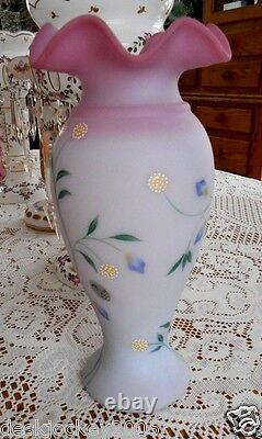 Fenton Blue Burmese 11 Inch Vase Le #725 / 2750 Yop 1999