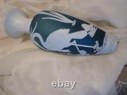 Fenton by Kelsey Murphy-Bomkamp blue with white crane bird 13''tall exc. Conditi