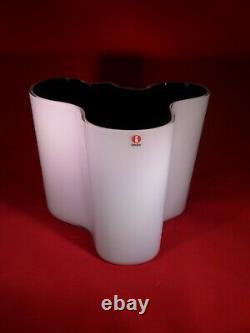 Iittala Aalto White/Dark Blue Dual Colored Vase 6 1/4