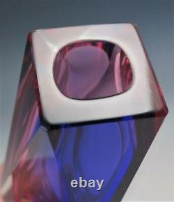 Mandruzzato Murano Sommerso Hot Pink Cobalt Blue Clear Facet Cut Glass Vase