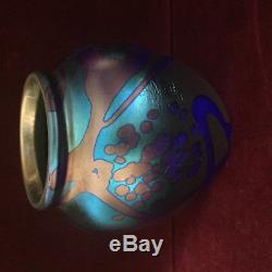 Robert Carlson Studio 1981 Hand Made Art Glass Blue Aurene Color Vase