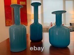 SET OF THREE BLUE HOLMEGAARD CARNABY GULVASE VASES - 13, 10 and 9